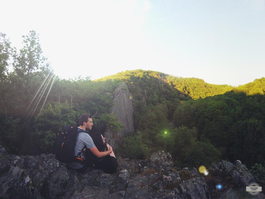 Rocher du hérou au parc naturel Falaise Point de vue Sentier technique